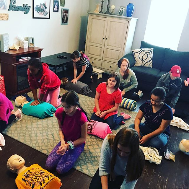 CPR AED + First Aid + Relief of Choking + Babysitter's class = a room full of fun teens! #cprfrisco #savealife #cprclass #aha #cprinstructor #babysitter #babysitters #training #education #teachersofinstagram #teacher